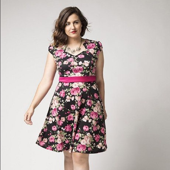 ModCloth Dresses & Skirts - Modcloth The Story of Citrus Floral Dress